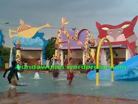kolam dangkal tempat anak-anak balita